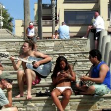 Street band plays song for hot girl